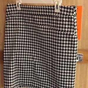Michael Kors houndstooth skirt